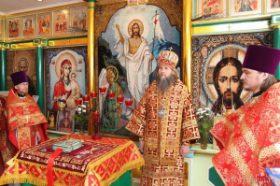 Митрополит Даниил совершил Божественную Литургию в Новодвинском доме интернате