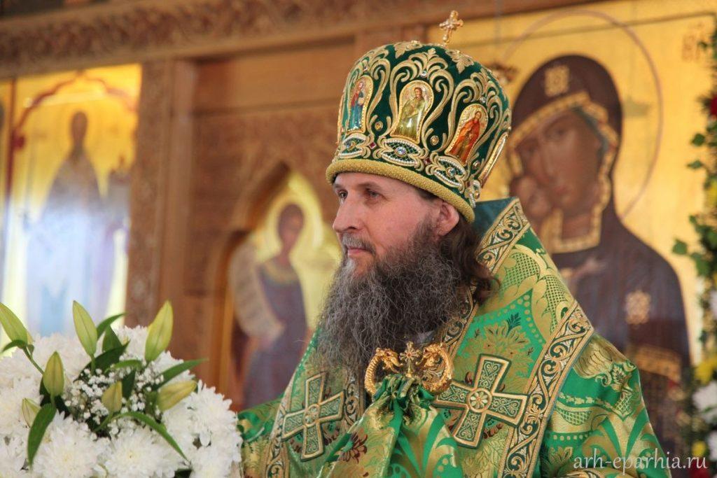 Божественную Литургию в Храме Святого Духа совершит Митрополит Даниил