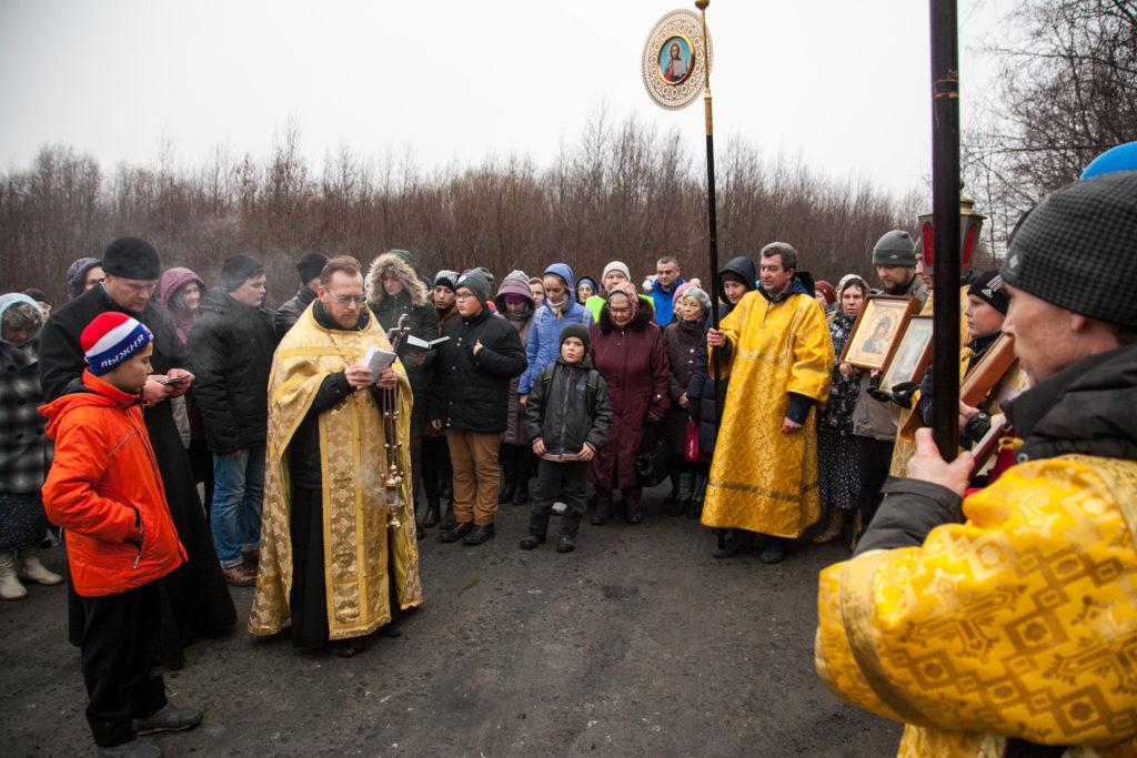 В ДЕНЬ ПРАЗДНОВАНИЯ КАЗАНСКОЙ ИКОНЫ БОЖИЕЙ МАТЕРИ И ДЕНЬ НАРОДНОГО ЕДИНCТВА ПРИХОЖАНЕ ПОКРОВСКОГО ПРИХОДА СОВЕРШИЛИ КРЕСТНЫЙ ХОД